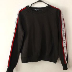 2/$20 Kendall and Kylie crewneck sweater size S